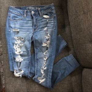 American Eagle Outfitters destroyed jegging jean 2